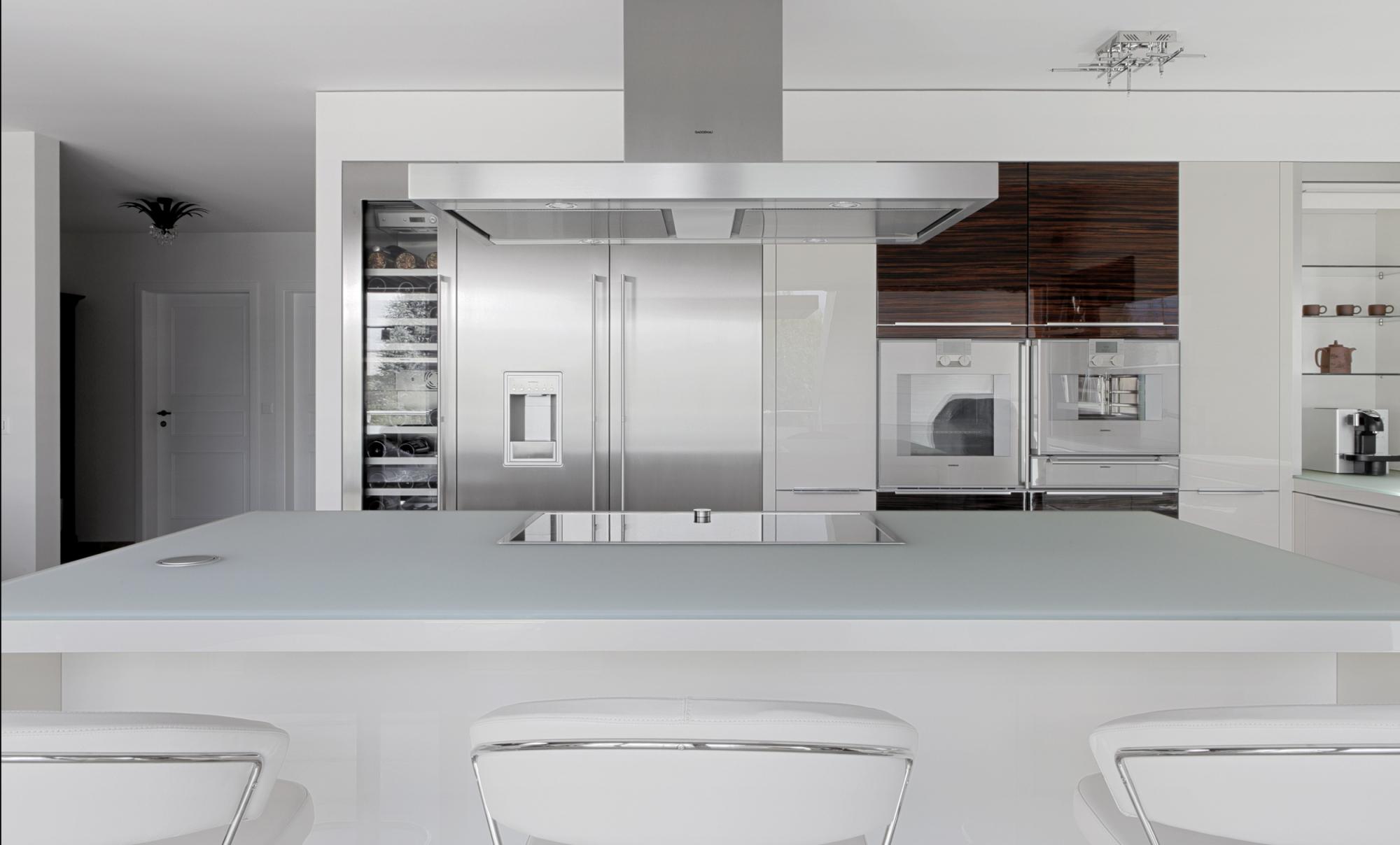 acilux das geh rtete glas esg von galvolux. Black Bedroom Furniture Sets. Home Design Ideas